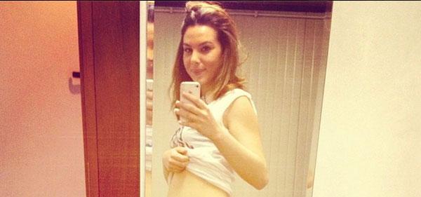 Micol Olivieri de I Cesaroni incinta di tre mesi: la prima foto del pancino