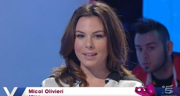 """Micol Olivieri ospite a Verissimo: """"Ho 21 anni, sono incinta e credo che sia bellissimo!"""" VIDEO"""
