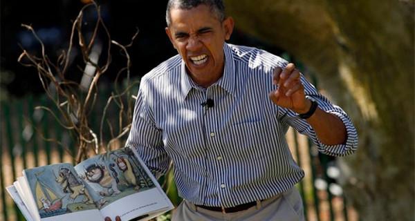 Durante l'Easter Egg Roll Barack Obama gioca e si diverte con i bambini
