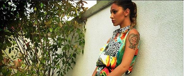 Belen Rodriguez e la foto sospetta. C'è chi non ha dubbi: è incinta?