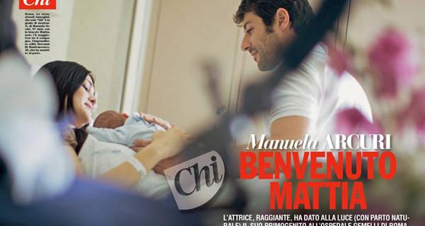 Manuela Arcuri mamma: le prime foto con suo figlio, il piccolo Mattia