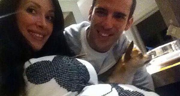 Marco Melandri presto papà: lui e la compagna mostrano il pancione su Twitter