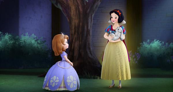 Sofia La Principessa torna su Disney Junior con Biancaneve. Foto e Anticipazioni