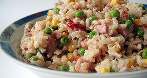 Ricette per bambini: l'insalata di Riso, un fresco piatto per l'estate