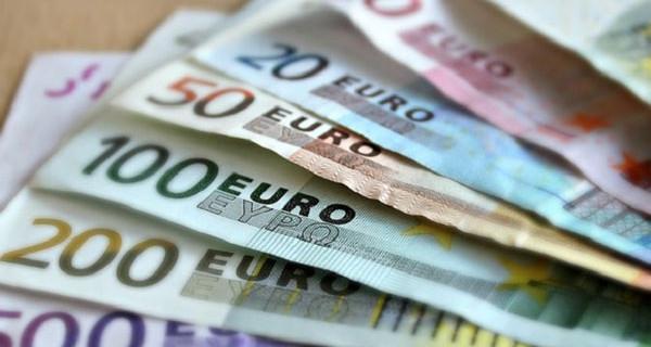 Prestiti in banca alle donne, lontani dalle pari opportunità? Un problema di molte famiglie