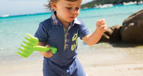 La valigia dei bimbi: cosa non dimenticare per una vacanza perfetta