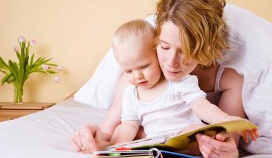 Ecco perchè è importante leggere le favole ai bambini: la ricerca dei pediatri americani