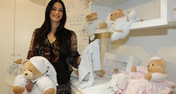 Manuela Arcuri: prima uscita da mamma a Pitti Immagine Bimbo