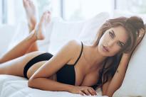 Melissa Satta posa in lingerie dopo la nascita di Maddox. Della gravidanza non c'è traccia! [FOTO]