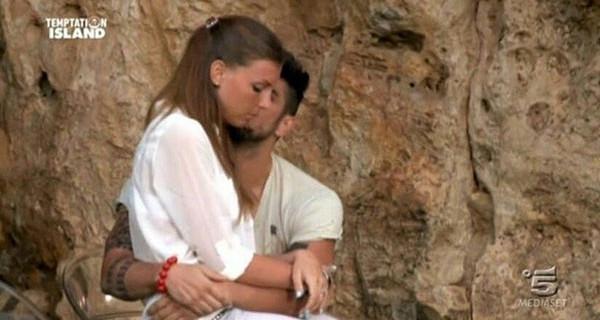 Cristian e Tara si incontrano: arriva la squalifica da Temptation Island? Anticipazioni