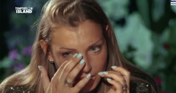 """Temptation Island, Cristian a Tara: """"Mi ha fatto male il tuo voler mettere in discussione la nostra storia"""""""