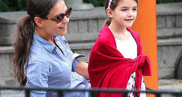 """Katie Holmes e la sua vita da mamma (single) e attrice: """"Desidero che Suri sia felice"""""""
