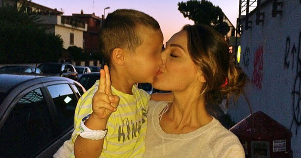 Andrea D'Alessio, figlio di Gigi e Anna Tatangelo, è il Bambino Vip più amato dell'estate!