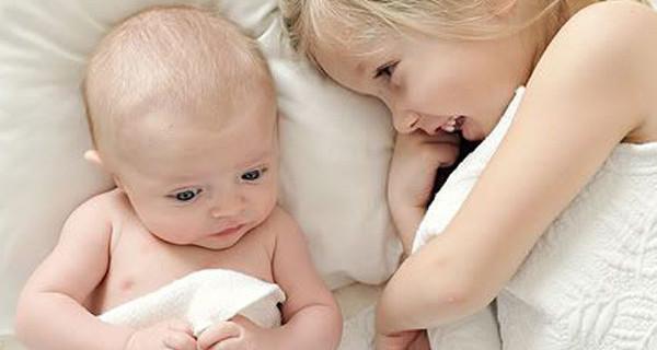 Chi ha una sorella deve ritenersi fortunato: lo dice la ricerca