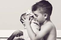 Tuo fratello è l'uomo più importante della tua vita: ecco i 12 motivi per cui è vero
