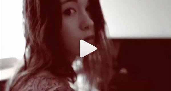 Aurora Ramazzotti e la voce come papà Eros: il video che sta incantando il web