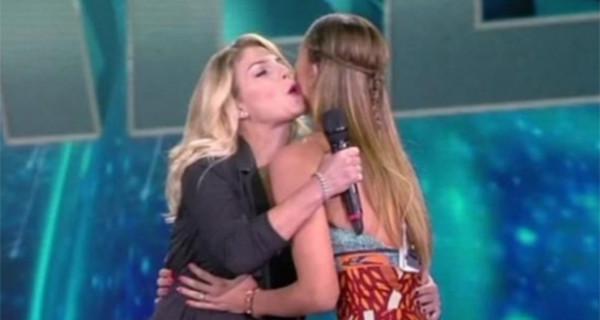 Incontro Belen Rodriguez ed Emma Marrone: eterne rivali o finte amiche? Le parole della showgirl