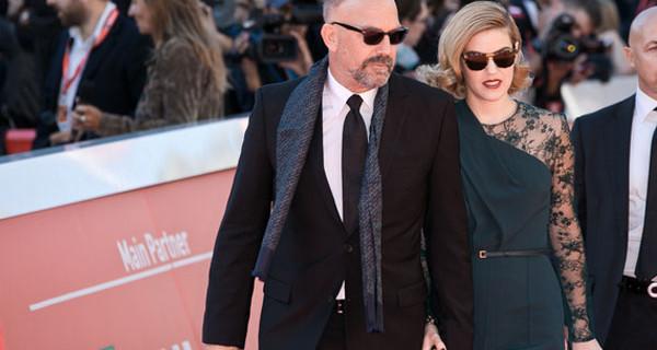 Kevin Costner e la figlia Lily al Festival del Cinema di Roma si baciano ed è subito scandalo [FOTO]