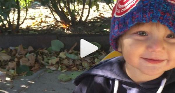 Belen Rodriguez al parco con il suo bimbo: il nuovo video del piccolo Santiago