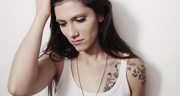 """Elisa presenta il suo nuovo album e confessa: """"I miei bambini stanno curando le mie vecchie ferite"""""""