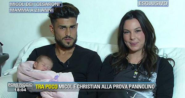 """Micol Olivieri in tv con la figlia Arya: """"La verità sul parto"""""""