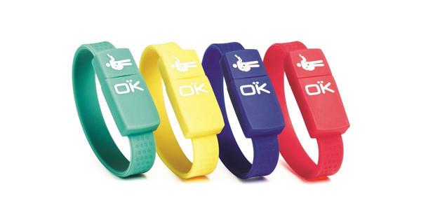 Regali di Natale per bambini tecnologici: i braccialetti USB di Okaidi