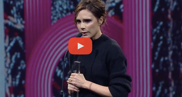 British Fashion Awards: Victoria Beckham ringrazia in lacrime David e i suoi figli [VIDEO]