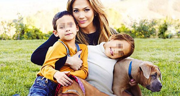 """Jennifer Lopez posa con i suoi gemellini Max ed Emme: """"Questa è la mia famiglia"""""""