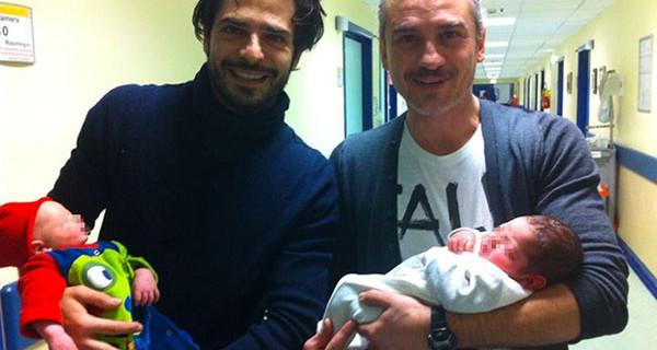 Marco Bocci e Laura Chiatti finalmente genitori, le prime foto insieme al piccolo Enea