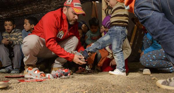Garvalin e la Maroc Challenge presentano le scarpe solidali per i bambini del Marocco