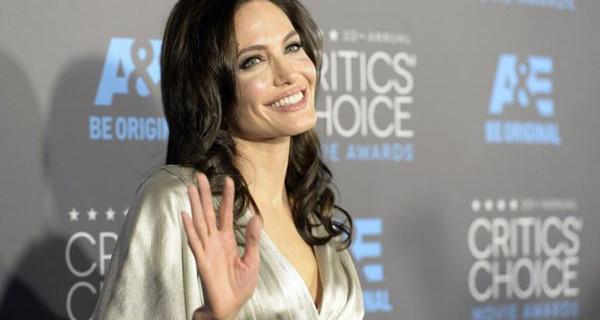 """Angelina Jolie non potrà più avere figli: """"Non è stato facile decidere di rimuovere le ovaie"""""""