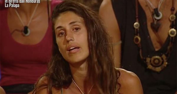 """Isola, Cecilia Rodriguez litigando Rachida ammette: """"Diventerò mamma e…"""""""