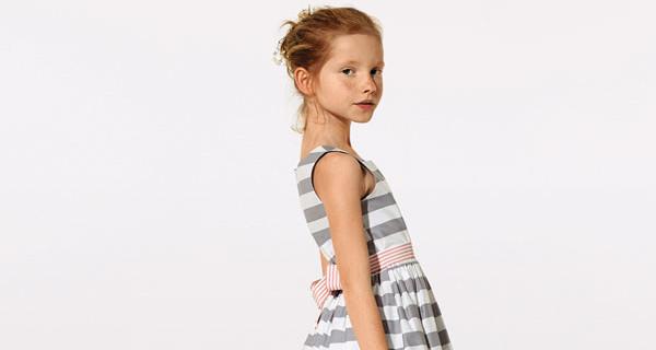 KIABI presenta per la primavera l'abito reversibile per bambine dai 3 ai 12 anni