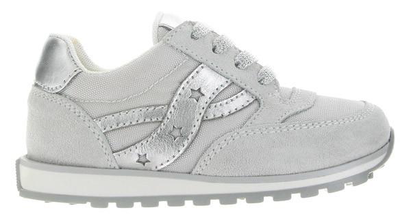 Balducci presenta le sneakers uguali per mamma e bambina