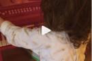 Paola come mamma Laura Pausini: la piccola ha solo 2 anni ma sa già cantare [VIDEO]