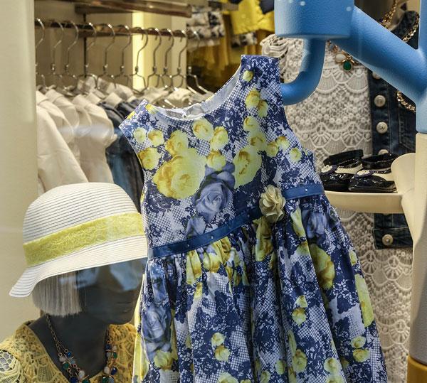"""Sarabanda  la boutique di Milano """"si veste"""" per il Salone Del Mobile ab9fb12f3b1"""