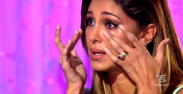 Belen Rodriguez in tv si commuove e annuncia la bella novità. Ecco di cosa si tratta