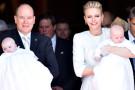 Il battesimo dei Gemellini Reali di Monaco: Jacques e Gabriella tra le braccia di mamma e papà