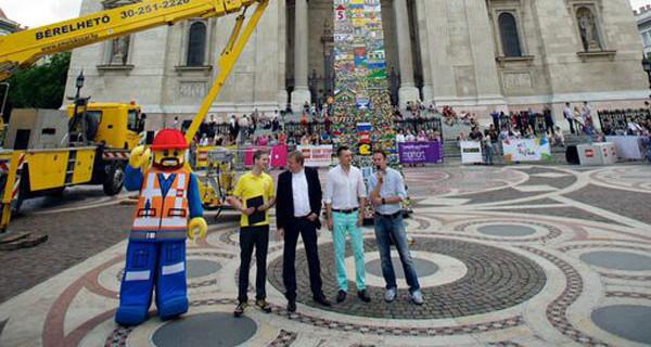La torre LEGO più alta del mondo: la costruzione a Milano in occasione di EXPO 2015