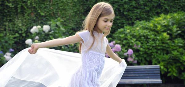 Come vestirsi ad una cerimonia? Il look per bambine