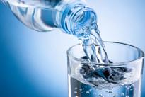 Qual è la temperatura migliore dell'acqua da far bere ai bambini con il caldo? Consigli