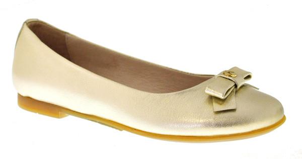 Scarpe per bambini alla moda come quelle degli adulti: i modelli del Calzaturificio Elisabet