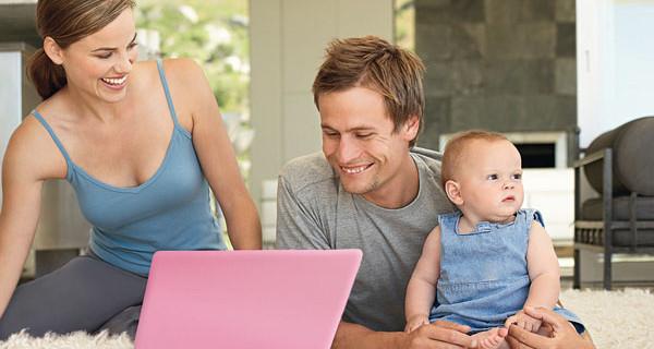 Mamme e-shopper: le abitudini sul web cambiano con l'arrivo di un bambino. La ricerca
