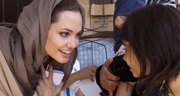 Brad Pitt e Angelina Jolie pronti per il settimo figlio: in arrivo un orfano dalla Siria?