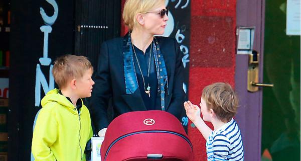 Cate Blanchett mamma e premio Oscar: il passeggino che ha scelto per i suoi figli