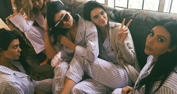 Kim Kardashian mamma bis il giorno di Natale: il suo baby shower party in pigiama