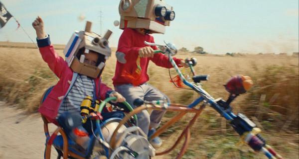 For Serious Kids, il nuovo film di Petit Bateau. Giocare non è mai stato così serio!