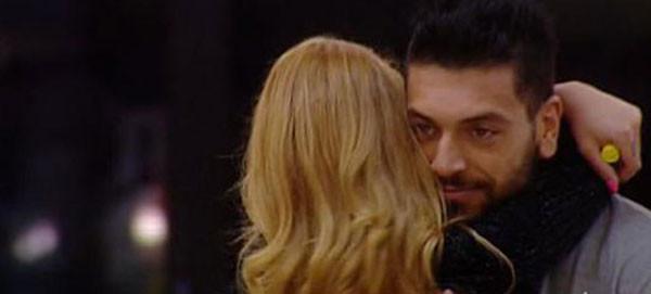 Grande Fratello 14, Lidia confessa ad Alessandro il suo amore. La reazione di lui