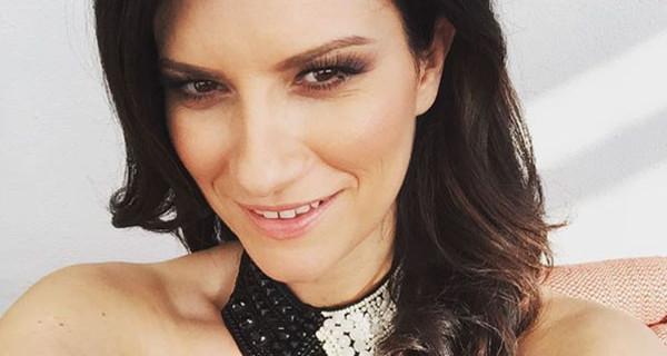 """Laura Pausini pronta a cambiare vita per Paola? """"Torneremo a vivere in Italia"""""""