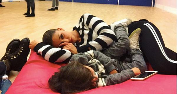 "Belen Rodriguez torna a parlare del secondo figlio: ""Una sorellina per Santiago…"""